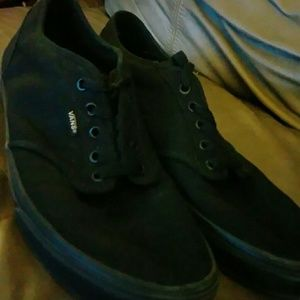 Like New Vans Off the Wall Low top Sneaker size 12